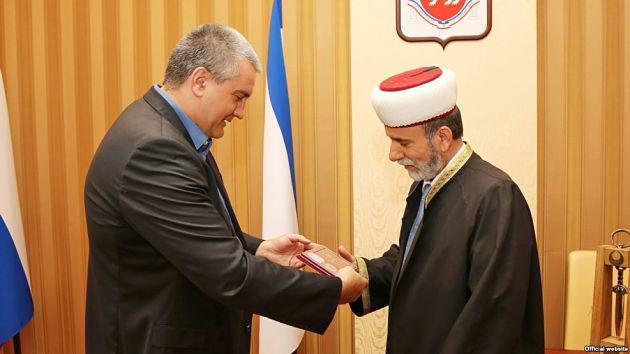 Доносы накрымских мусульман пишет муфтий Крыма