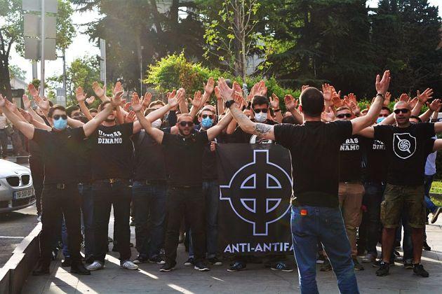 Владельцы клубов вцентре Тбилиси опровергают обвинения вдискриминации грузинских мужчин