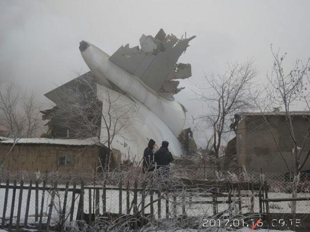 Напоселок под Бишкеком упал турецкий грузовой Boeing 747
