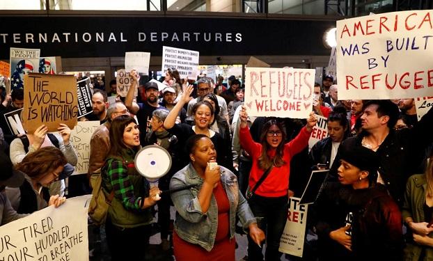 Трамп сказал о подготовке неменее жесткого миграционного указа
