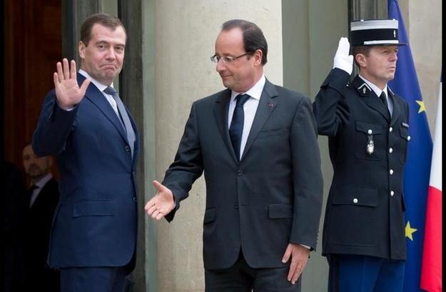 Олланд: Париж ведет разговор сМосквой, однако разговаривать— незначит уступать