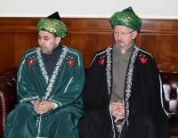 Хузин и Салман указали аль-Кардави где его место
