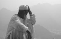 О запрещении обсуждать и решать важные вопросы тем, кто не уполномочен для этого шариатом