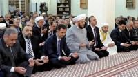 Башар Асад на намазе: даёт салам раньше имама (Видео)