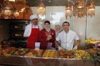 12 халяль-кафе Москвы угостят мусульман в праздничные дни