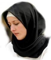 Покрытие (хиджаб) для женщин естественно и соответствует женской природе