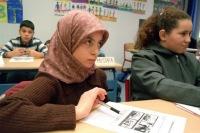 Мусульмане Саратова и Мордовии собрали подписи к обращению по поводу запрета хиджаба.