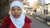 Кыргызских учениц в хиджабах не пускают в школу