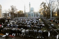 «Молиться Богу - это нормально, а кричать с Навальным - нет»