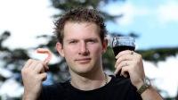 25-летний австралиец потерял все зубы из-за любви к Coca-Cola