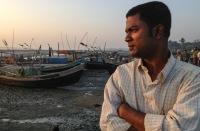 Мусульмане рохинья спасаются от преследований по морю