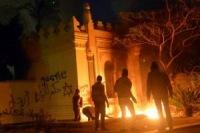 Демонстранты вновь атаковали дворец президента в Египте