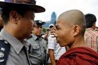 Буддисты недовольны оказанием помощи мусульманам