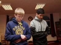 В Великобритании подростки принимают ислам