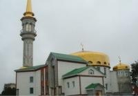 В Сургуте полицейские с автоматами заставляли мусульман срезать бороды