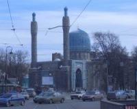 Подбросившим свиную голову к мечети петербуржцам грозит два года тюрьмы
