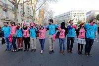 Их говно: Франция одобрила закон об однополых браках