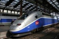 Франция: Мусульманам запретили выходить на работу во время визита Переса