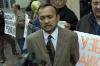 Начался суд над правозащитником Бахромом Хамроевым