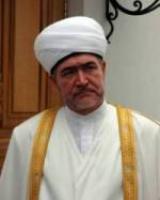 Духовный лидер мусульман РФ Равиль Гайнутдин требует от властей России единого подхода ко всем религиям