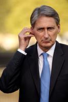 Англия угрожает Ирану войной в случае закрытия Ормузского пролива. Тегеран обещает ответ