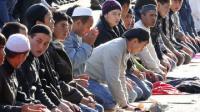 Мусульмане Ниццы молились на улице в знак протеста