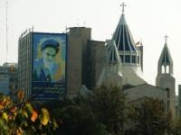 Почему в Тегеране 15 синагог и 43 христианских храма? В Москве всего 4 маленьких мечети