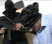 Житель Буйнакска увезен в неизвестном направлении людьми в масках
