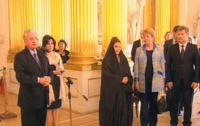 Королева Бахрейна посетила Эрмитаж