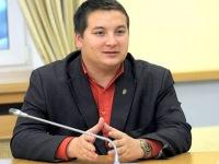 Раиса Сулейманова пересаживают с унитаза на горшок