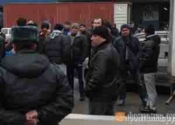 Сотни мусульман в Петербурге остались без пятничного намаза