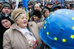 Митингующие в Киеве приступили к возведению новых баррикад