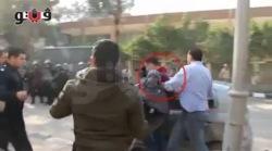 Египет: Мусульманку бьют палками и пинают ногами...