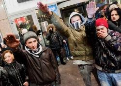 Фашисты доиграются - Россия станет  страной невыездной не потому, что в России диктатура и железные занавесы, а потому, что это небезопасно для Россиян...