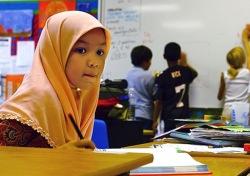Каждый десятый английский ребенок является мусульманином