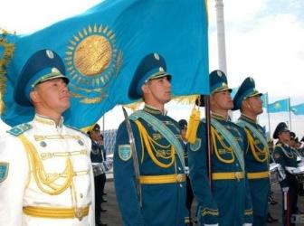 Назарбаев поручил усилить военные группировки на юге и западе Казахстана