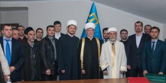Муфтият Крыма посетила делегация из России во главе с Равилем Гайнутдиновым