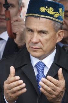Минниханов в Крыму уговаривает крымских татар