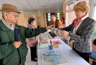 Социалисты Олланда проиграли на местных выборах