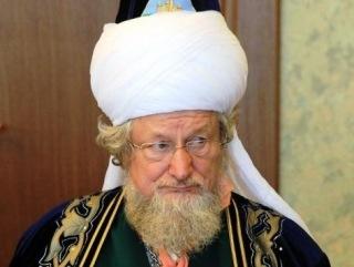 """Планы """"муфтия"""" Таджуддина тревожат его подчиненных"""