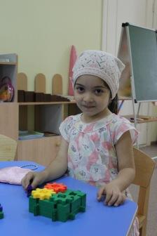 Помощь для больной девочки продолжает поступать