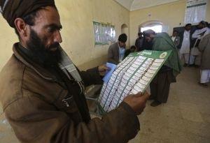 Первый тур выборов президента Афганистана не выявил победителя