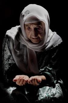 Статус неблагонадежных народов сопровождает мусульманские народы сквозь столетия.