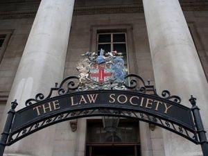 В Британии не утихает шум по поводу «проникновения Шариата в правовую систему»
