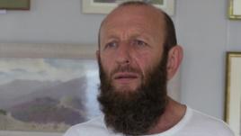 Крымский художник-самоучка, принявший ислам, презентовал свои картины и книгу
