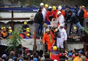 Число погибших в Турции достигло 274 человек
