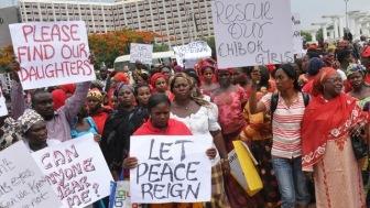 Мусульмане Нигерии призвали молиться за похищенных школьниц