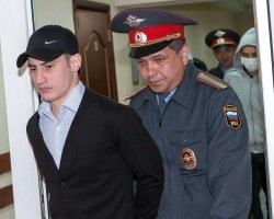 """Пытавшие людей полицейские из отдела """"Дальний"""" получили 10-15 лет тюрьмы"""