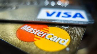 Включаем заднюю! Visa и MasterCard снова в законе
