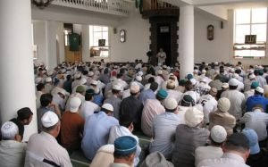 В Дагестане проходят рейды в мечетях: прихожан задерживают